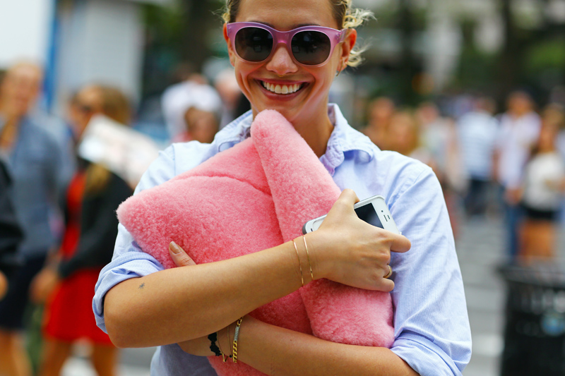 laurel-pantin-pink-fur-bag