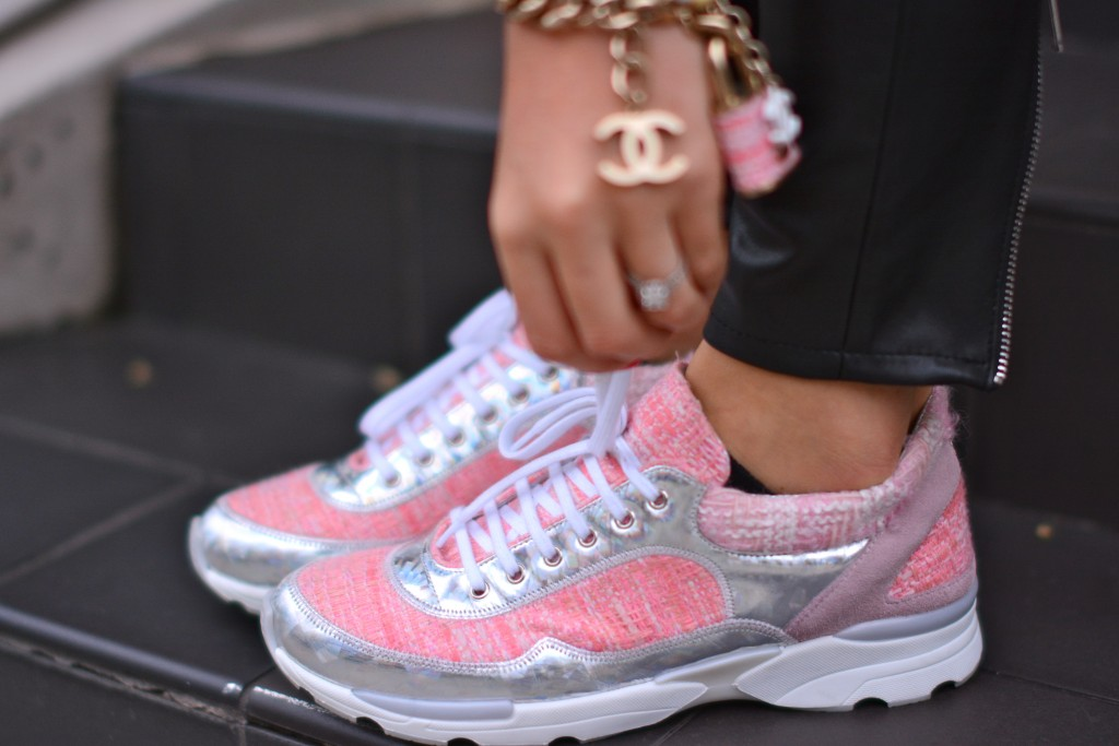 chanel-pink-tweed-trainers-1024x683